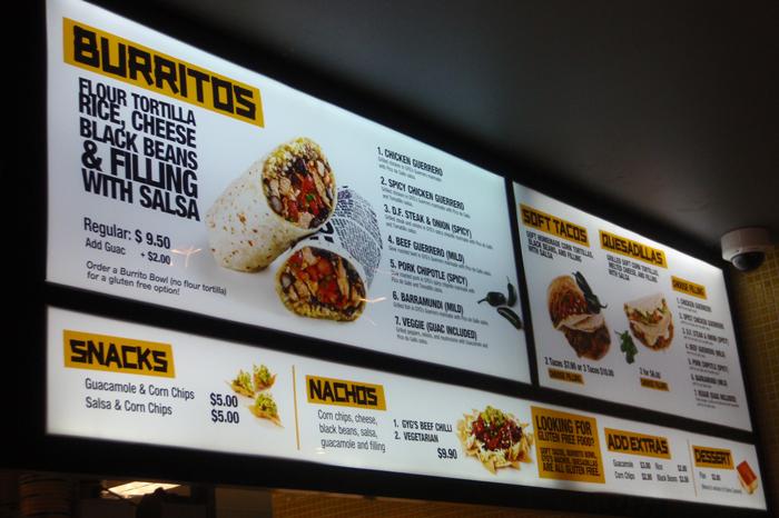 Descubra a diferença entre o menu board digital e os painéis estáticos